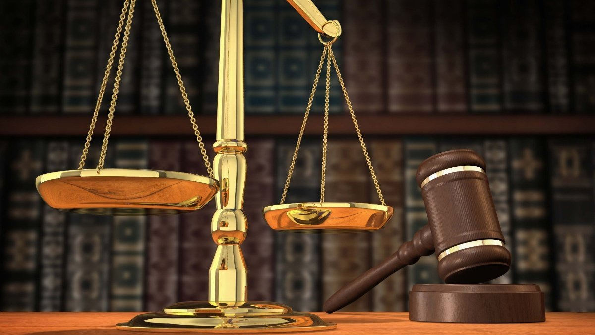 Condenado sin prisión  por circulación de dinero falso, receptación y lesiones personales